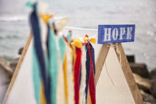 Cartel Madera Hope